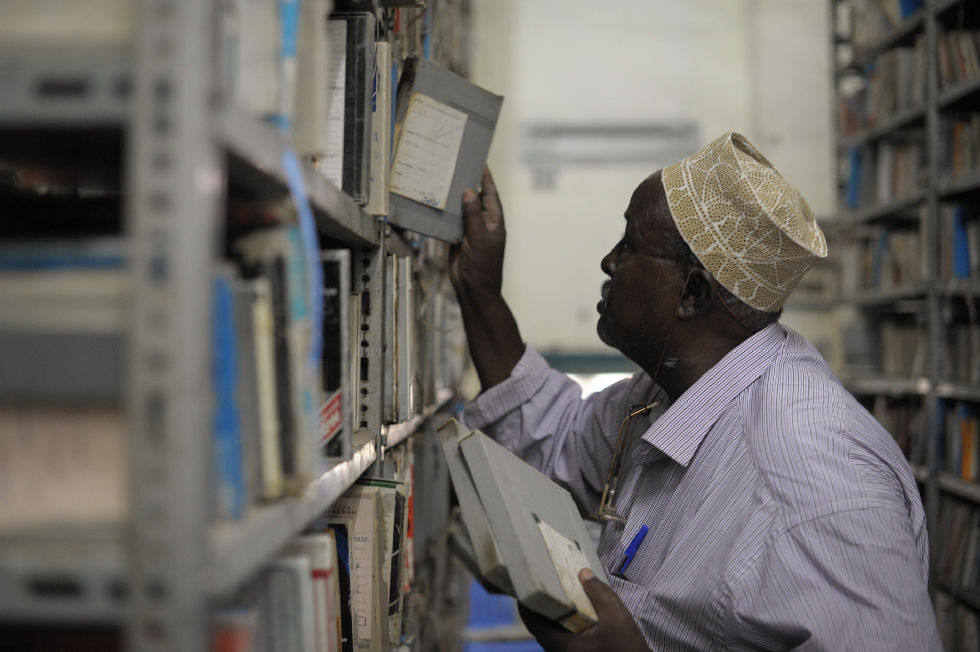 Africa, free, photo, library, books, reading, man, people, work, librarian, reader, education
